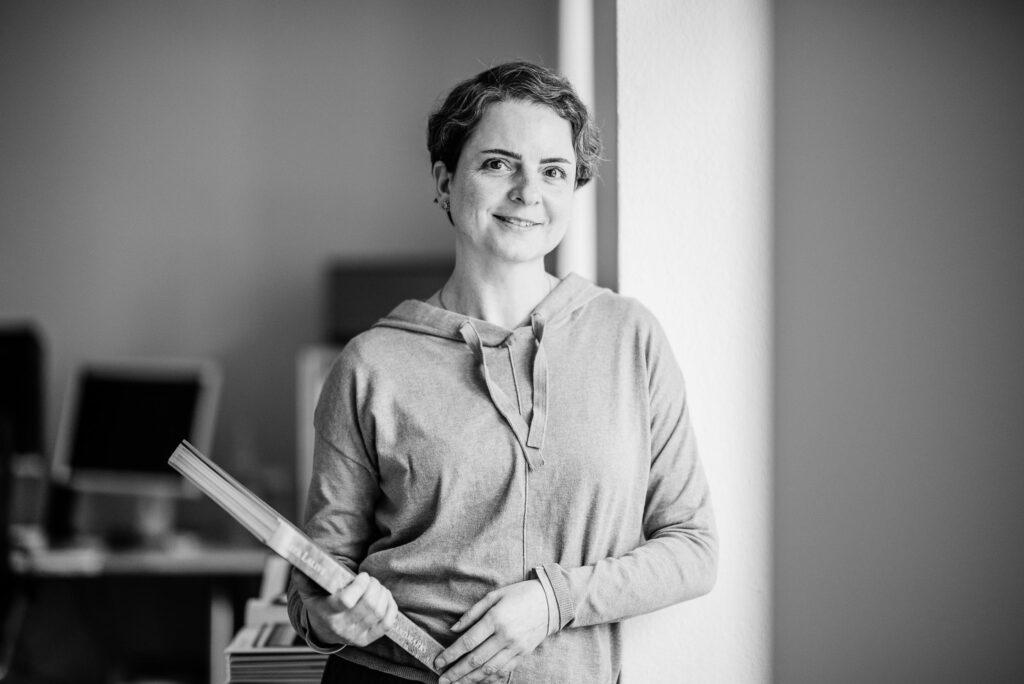 Judith Annaheim, Texterin in Zürich. Text für Web und Print. textkurve, Text, Konzept, Gestaltung, Grafikdesign, Buchprojekte. Website optimieren.